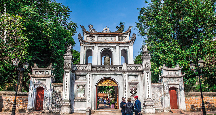 From-Bagan-Temples-To-Halong-Bay-4