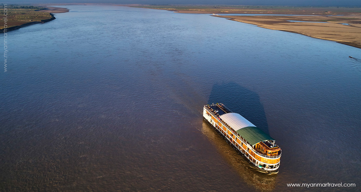 The river cruise along Irrawaddy River.