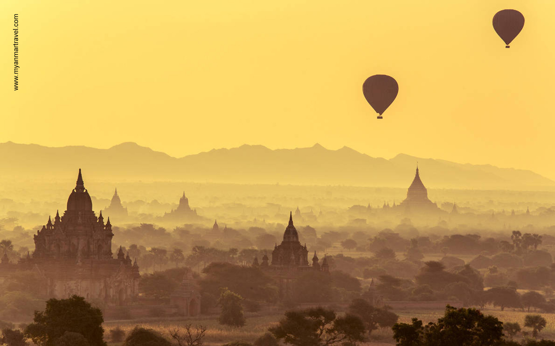 Ballon flight over Bagan