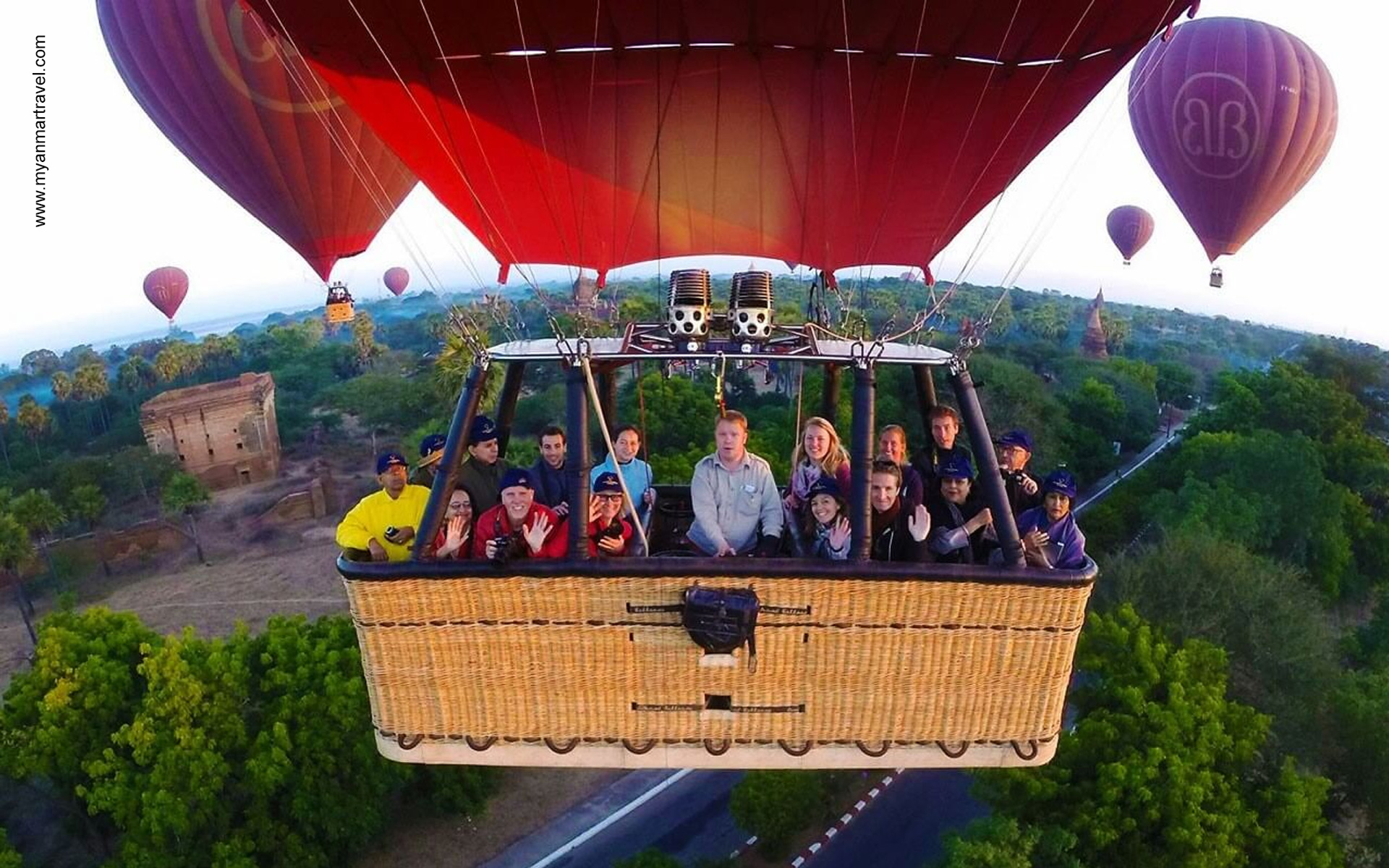 hot balloon air in Bagan 14