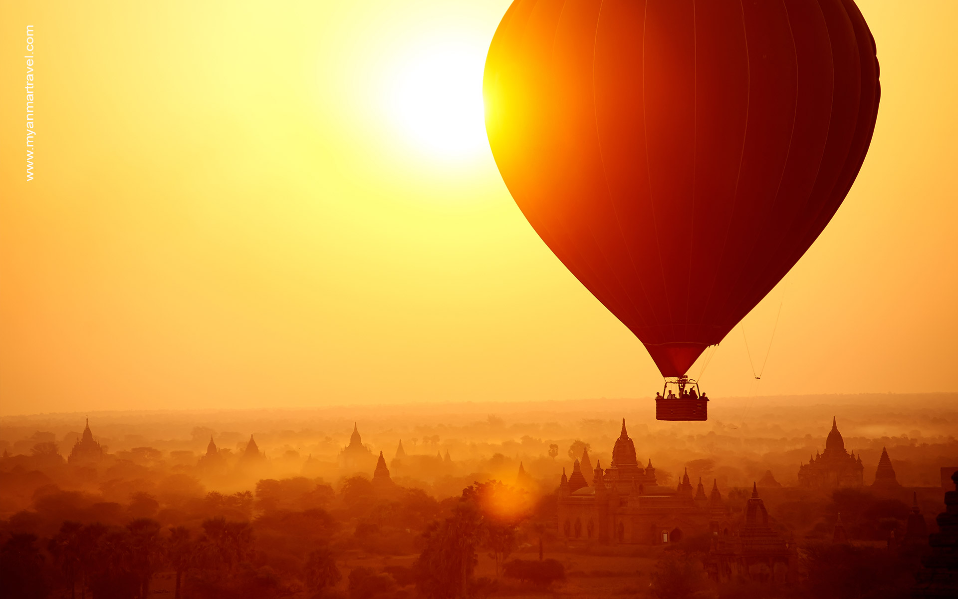 Hot air balloon in bagan