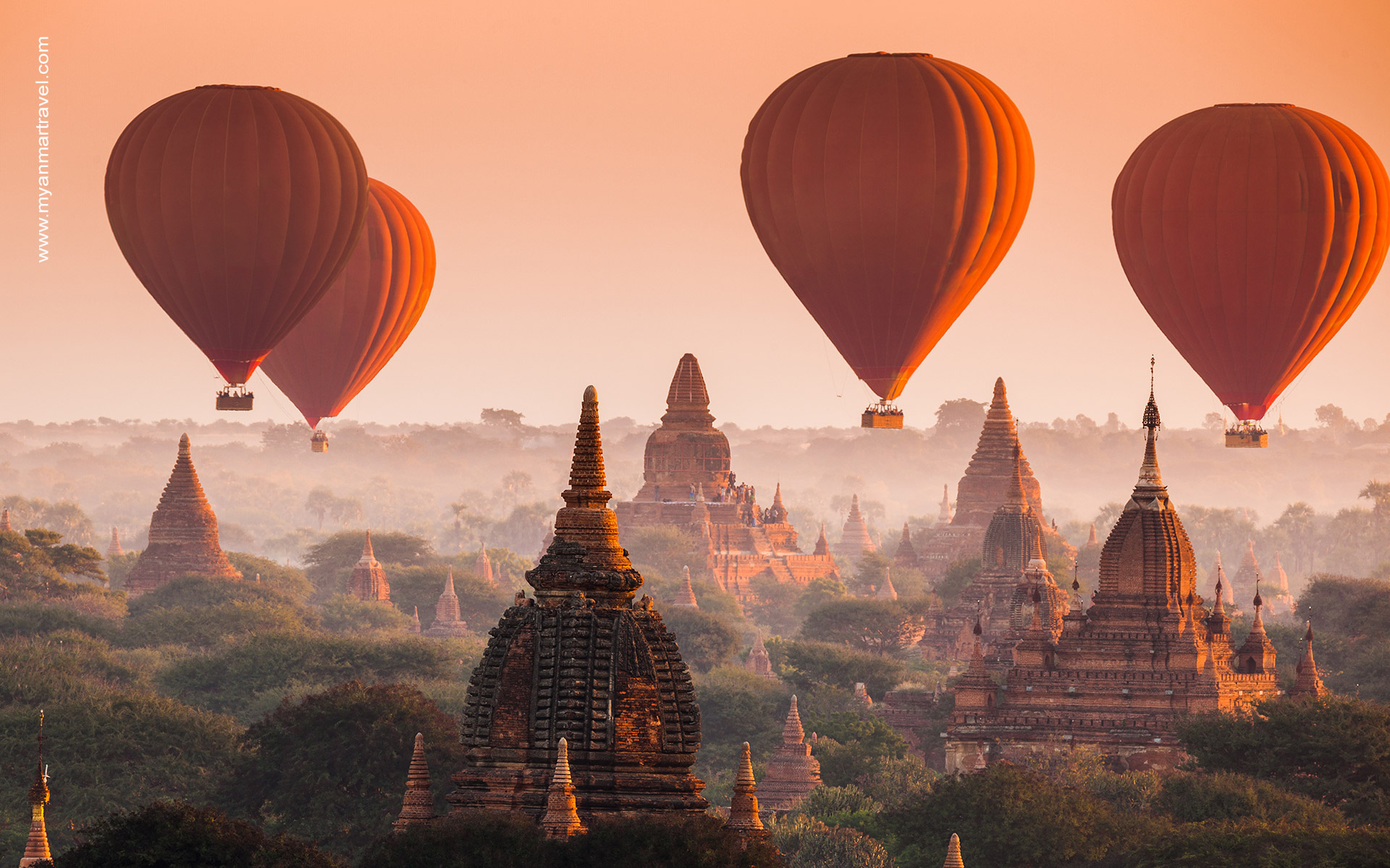 hot balloon air in Bagan