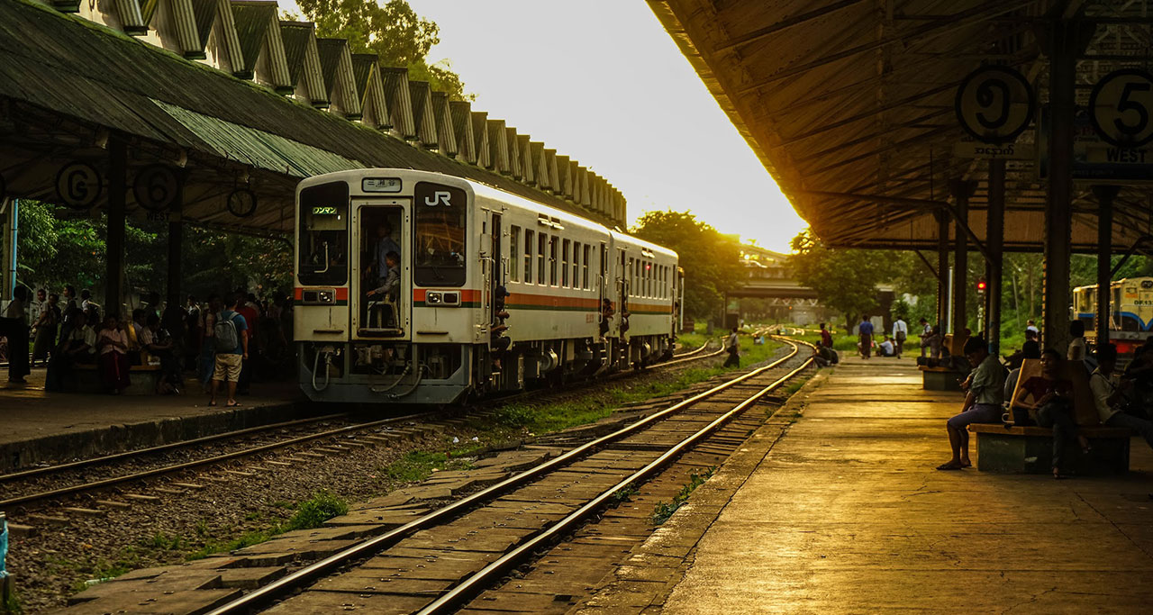 Yangon to Naypyitaw by train