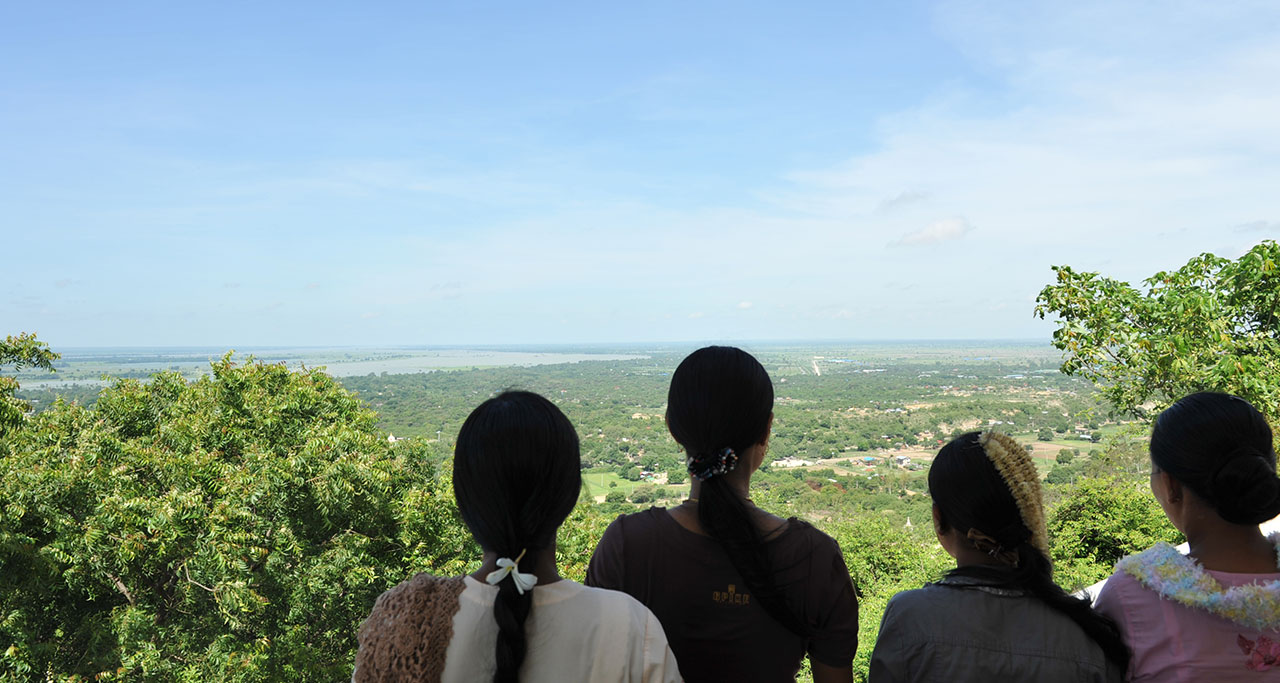 How to get from Bagan to Mandalay