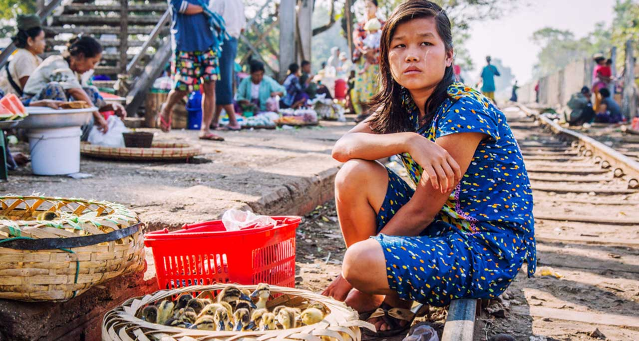 Da Nyin Gone Market in yangon