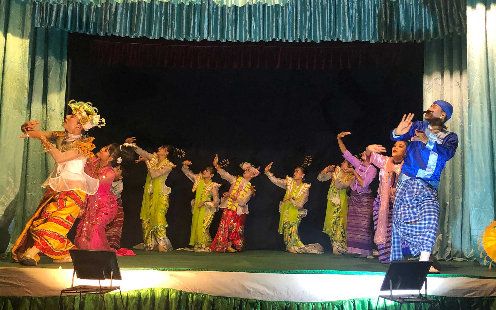 Classical Myanmar dance at Mintha Theater