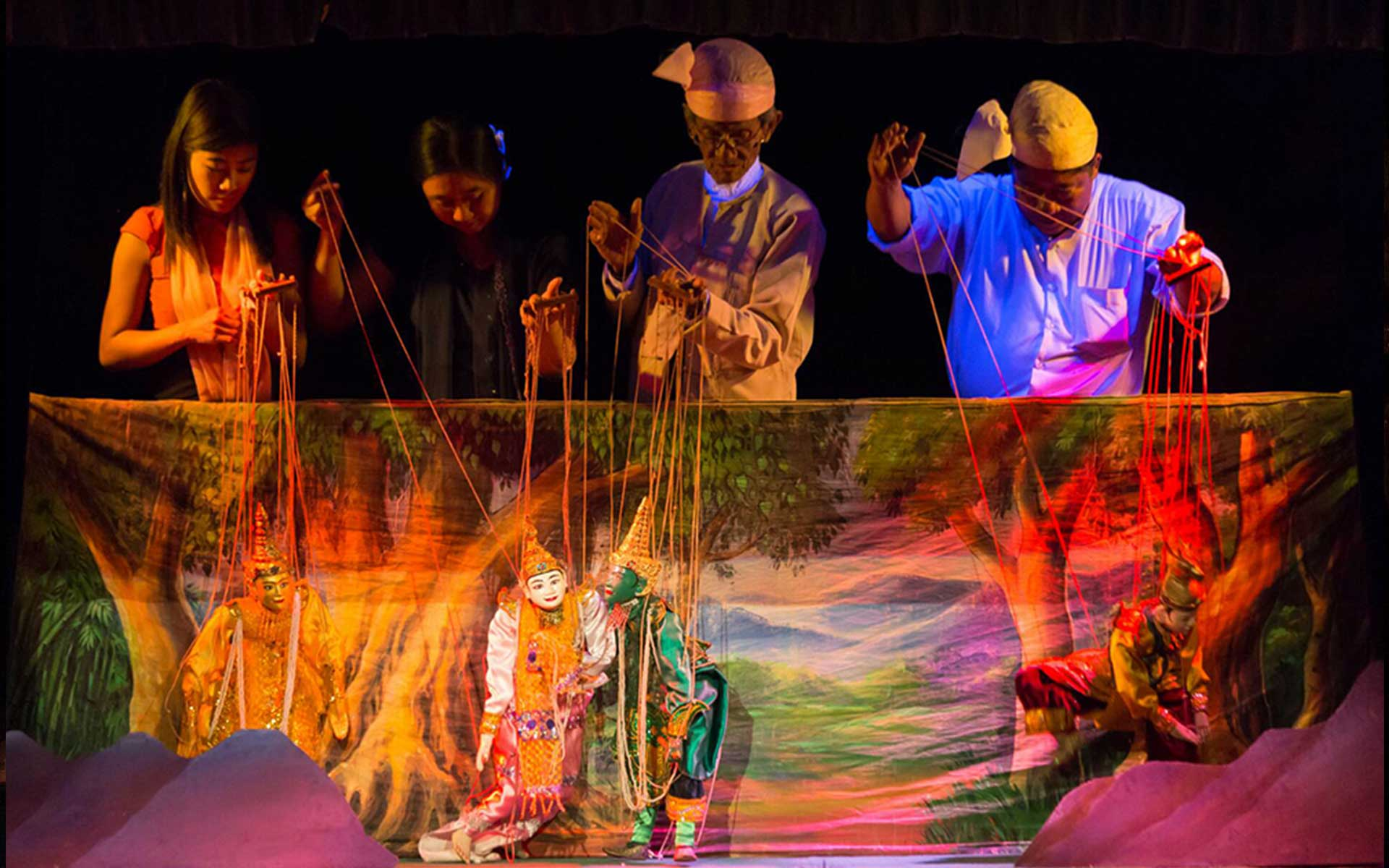 Puppet show at Myanmar Marionette Theatre