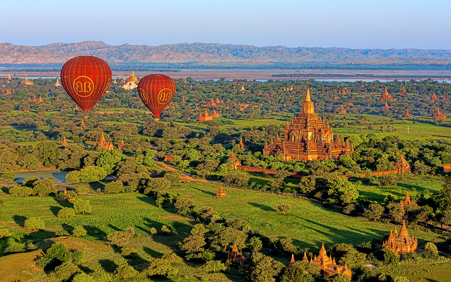 hot air balloon at sunrise in bagan